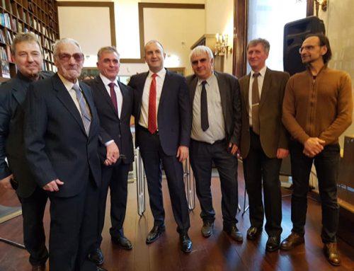 Maestro de 92 años recibe la insignia de honor del Presidente de Bulgaria y muere dos años después de la vacuna Astra Zeneca